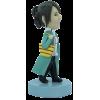 Figurine personnalisée femme qui a froid