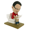 Figurine personnalisée lecture au toilette