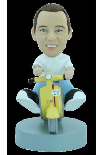 Figurine personnalisée en scooter